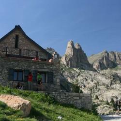 Trekking de Carros de Foc refugio e montaña Tribbuu