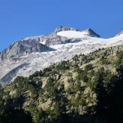 Trekking tour de l'Aneto en el macizo de la Maladeta collado de Riueno - Tribbuu